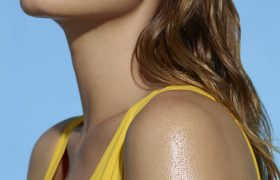 FREE DECLEOR BEACH BAG WITH SPF