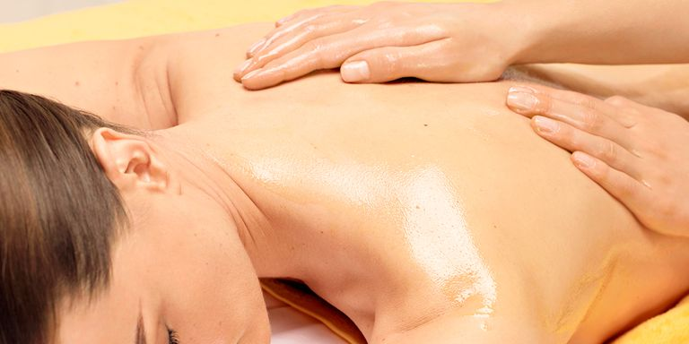 RELAX THOSE SHOULDERS & TIGHT MUSCLES WITH A MASSAGE